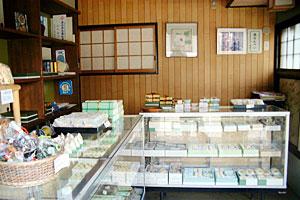 京都の和菓子松楽店内